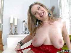 Vicky Scamp is a big breasted milfy lady. She shows