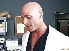 Johnny Sins explores slay rub elbows with depth of come-hither Kianna